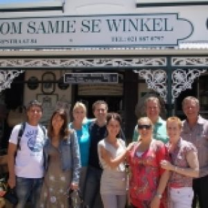 Cape scenic tours guests at shop